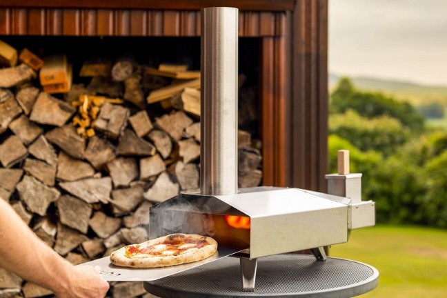 ooni-3-portable-wood-fired-outdoor-pizza-oven