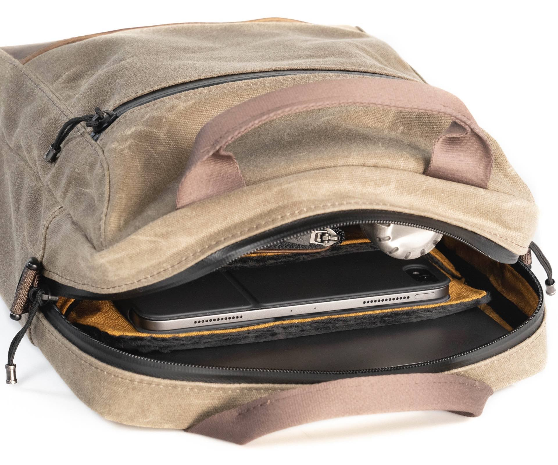 waterfield-designs-hitch-crossbody-laptop-brief-open