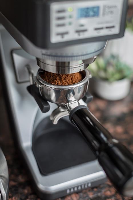 baratza-sette-270-espresso-grinder-portafilter-holder