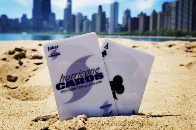 hurricane-windproof-waterproof-playing-cards