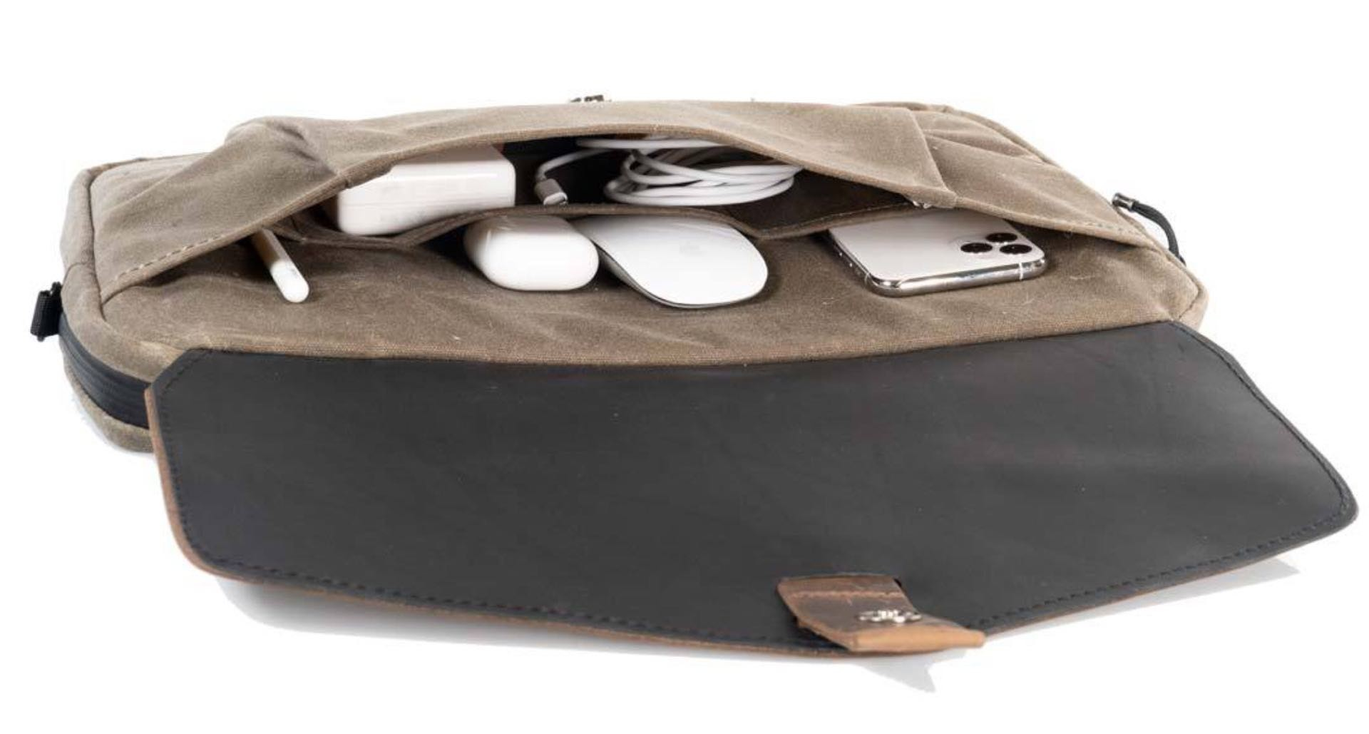 waterfield-designs-outback-duo-laptop-brief-front pocket
