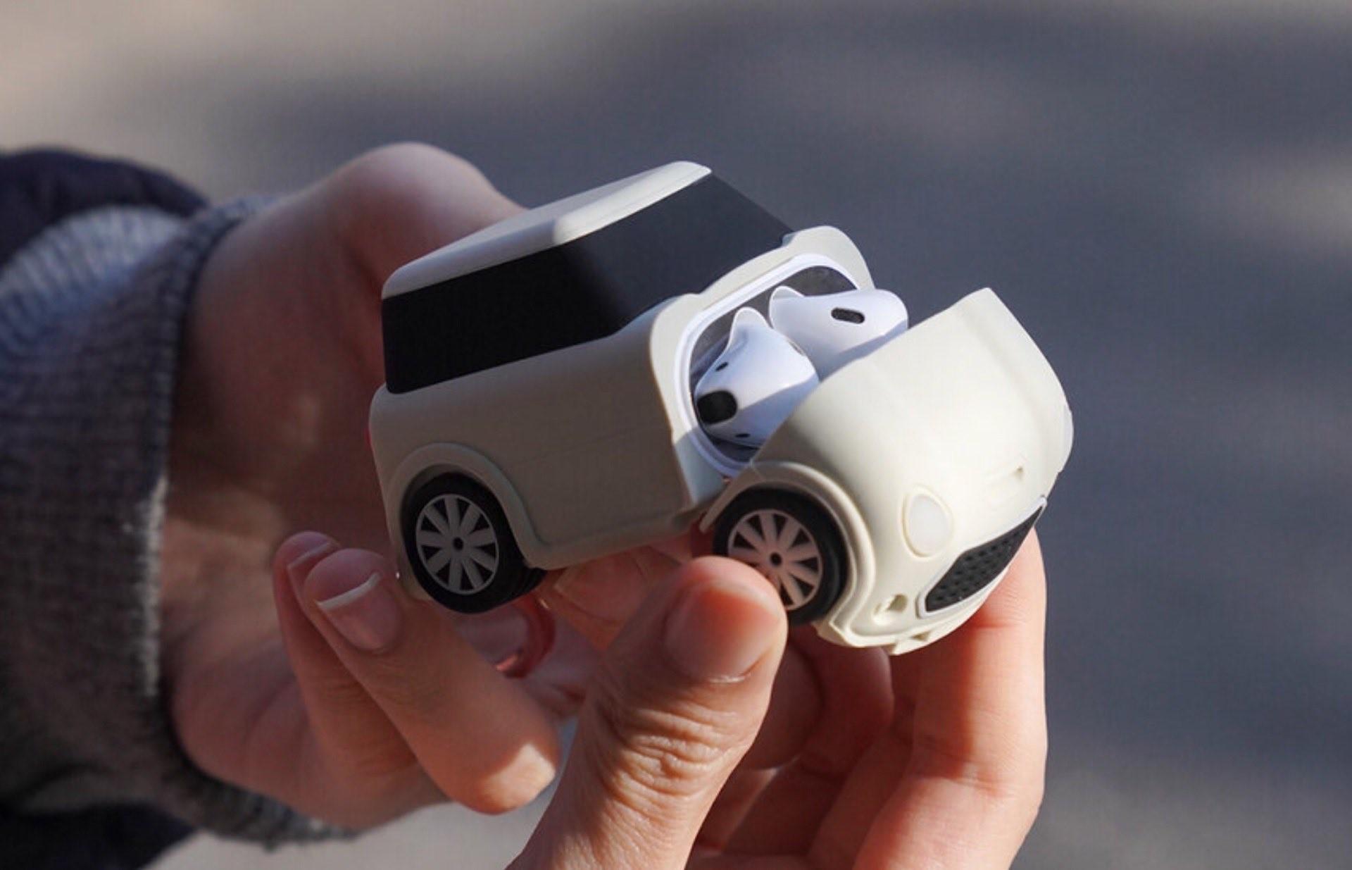elago-mini-car-airpods-case-open-front