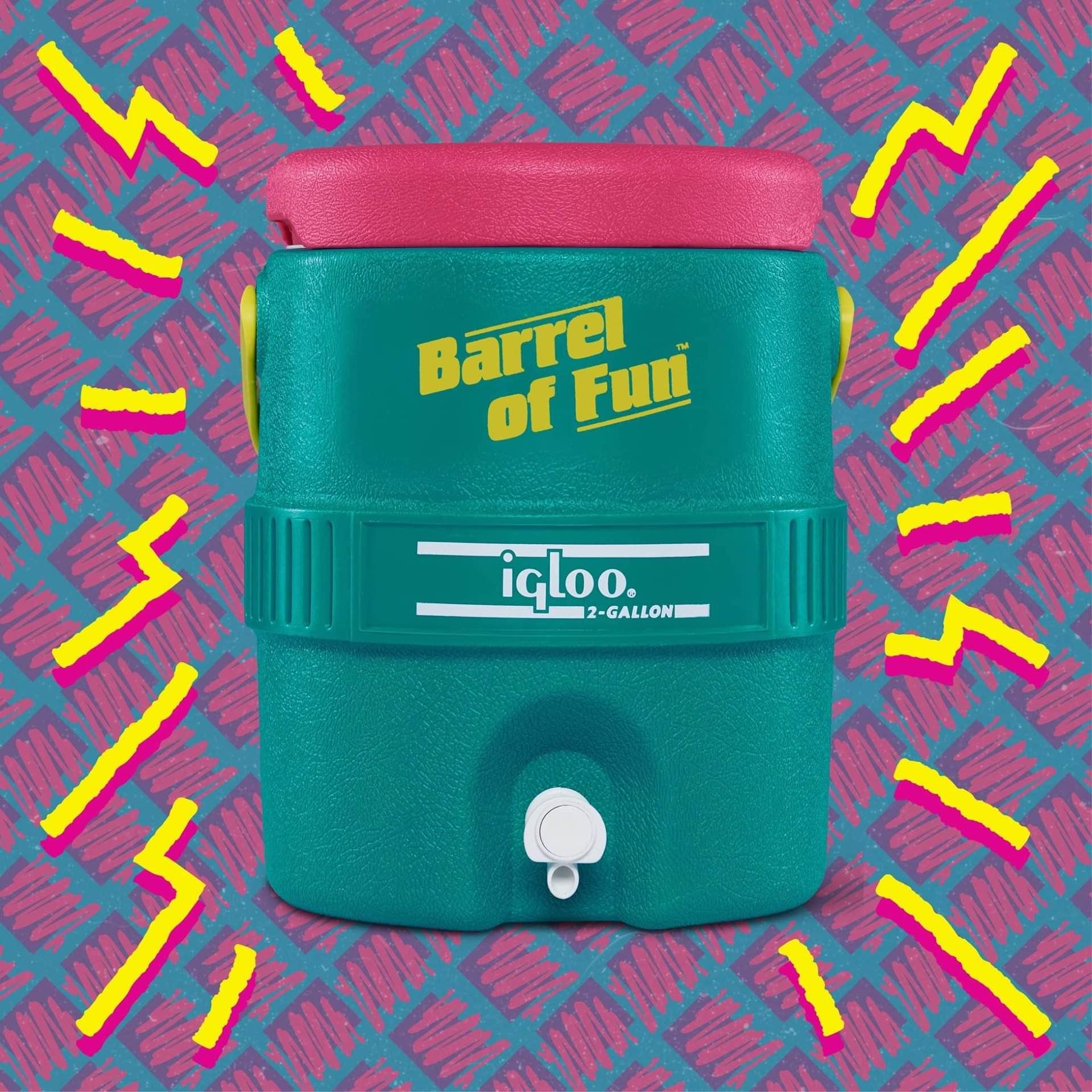 igloo-retro-barrel-of-fun-two-gallon-jug