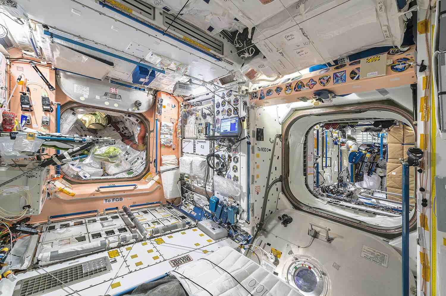 interior-space-by-roland-miller-and-paolo-nespoli-3