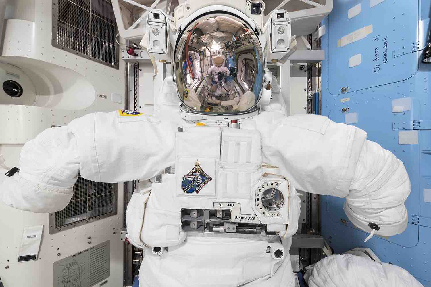 interior-space-by-roland-miller-and-paolo-nespoli-4