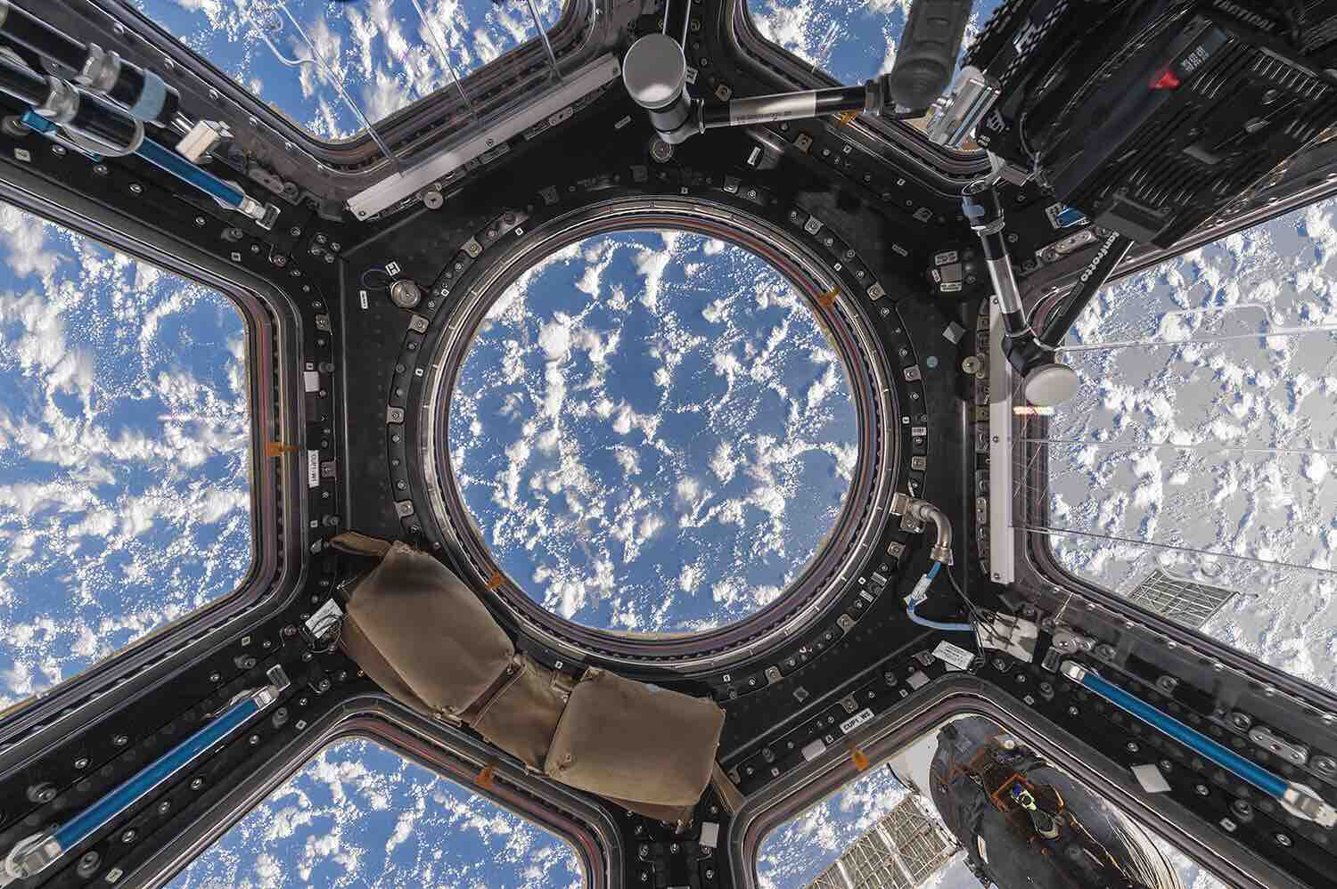 interior-space-by-roland-miller-and-paolo-nespoli-2
