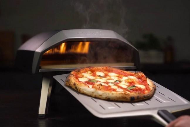ooni-koda-gas-powered-outdoor-pizza-oven