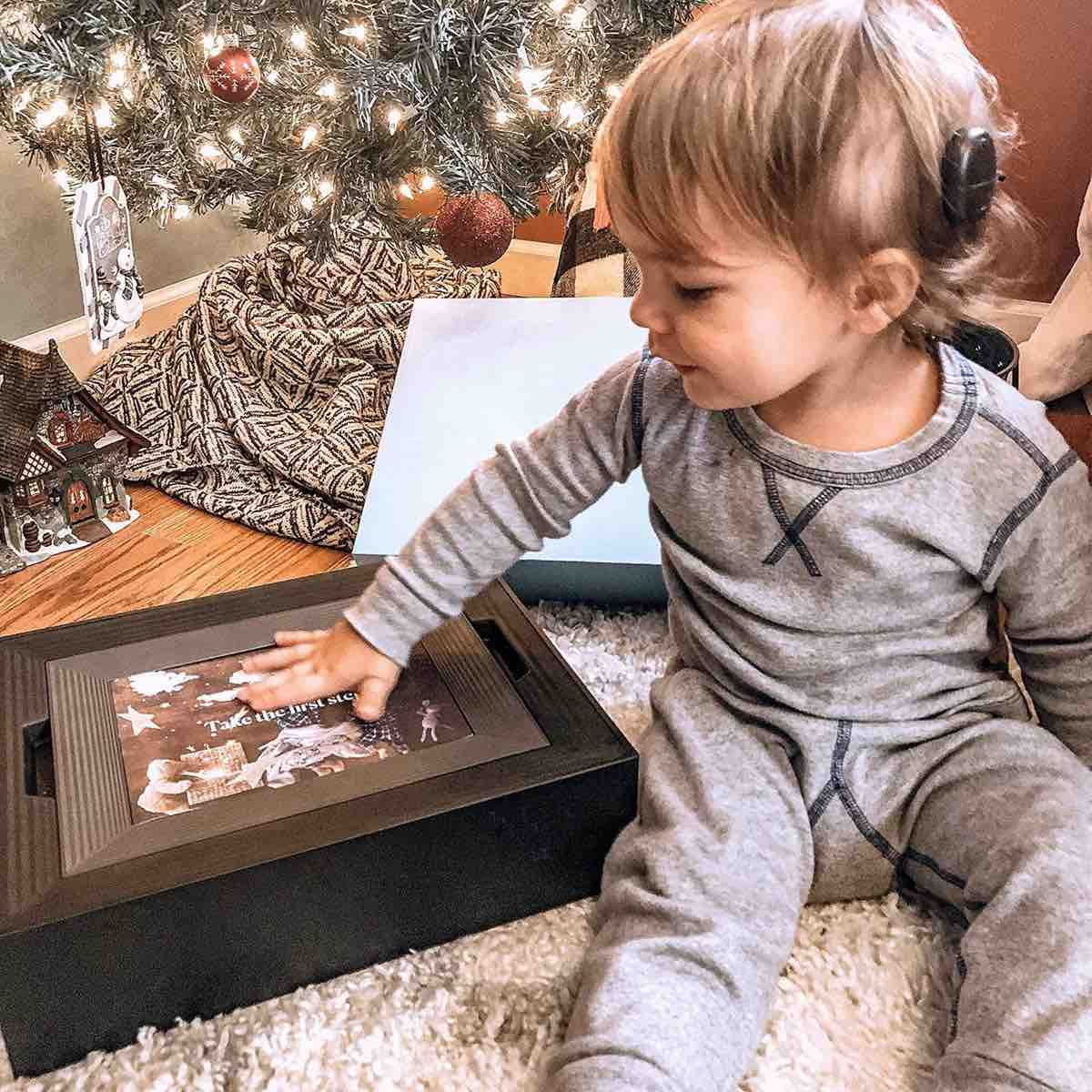 "Aura ""Mason"" smart photo frame. ($199)"