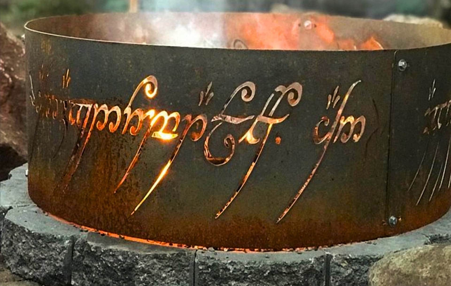 lord-of-the-rings-fire-ring-to-rule-them-all-closeup