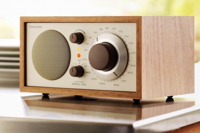 tivoli-audio-model-one-retro-am-fm-radio