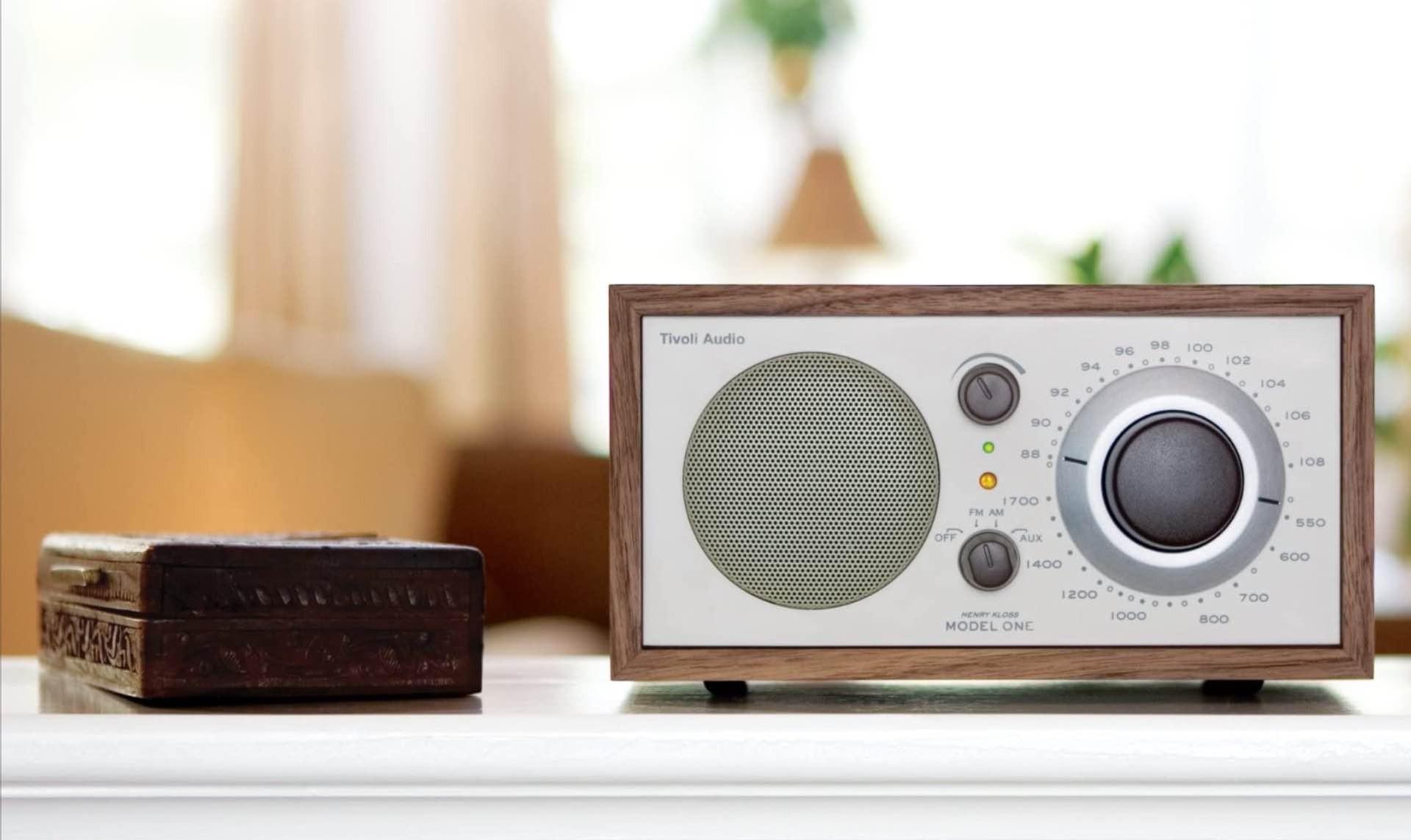 tivoli-audio-model-one-retro-am-fm-radio-2