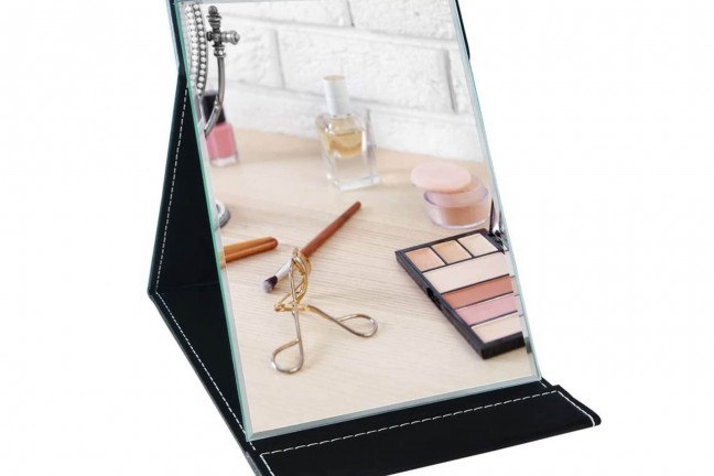 portable-folding-mirror-with-built-in-case-stand