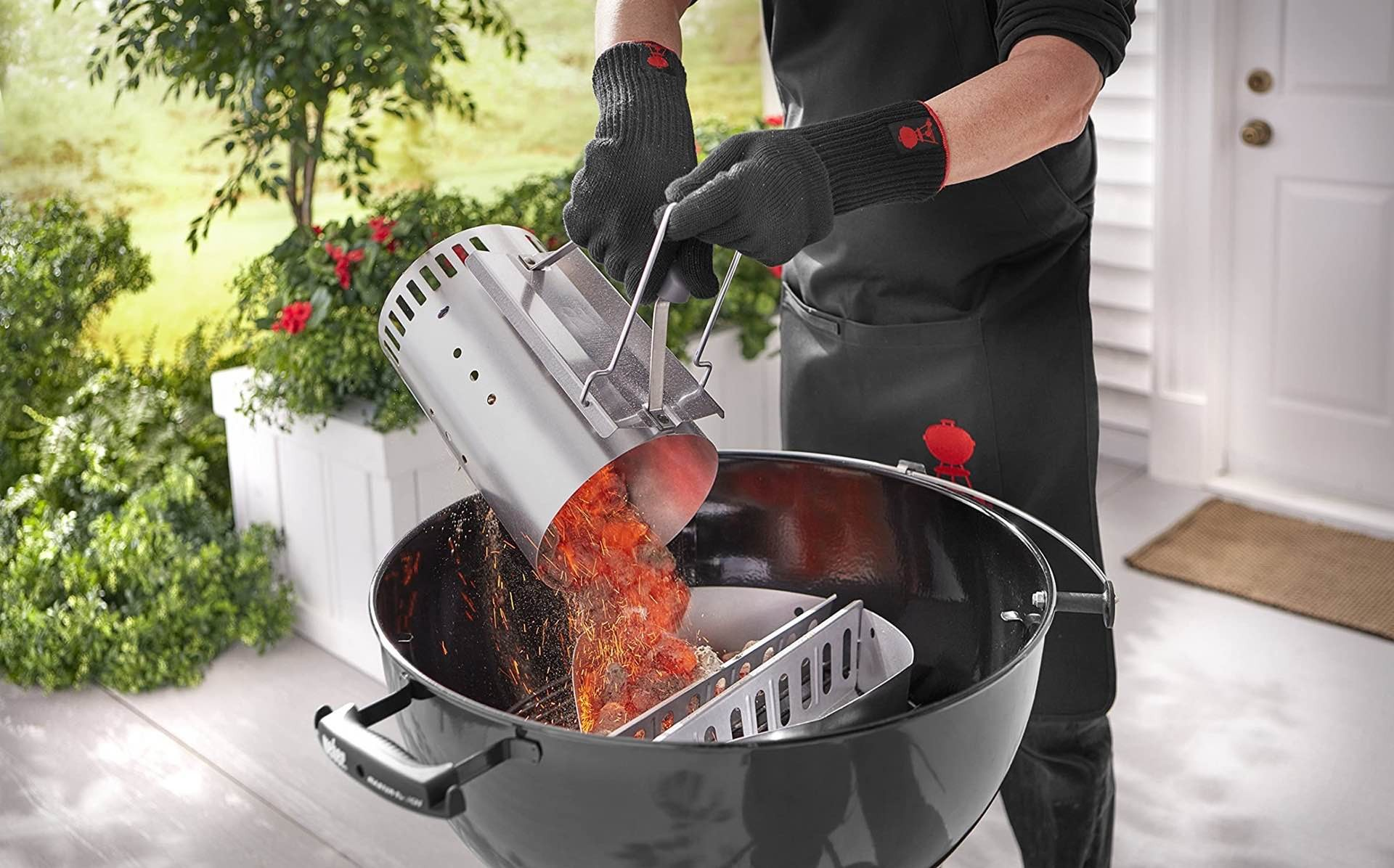 weber-7429-rapidfire-charcoal-chimney-starter-in-action