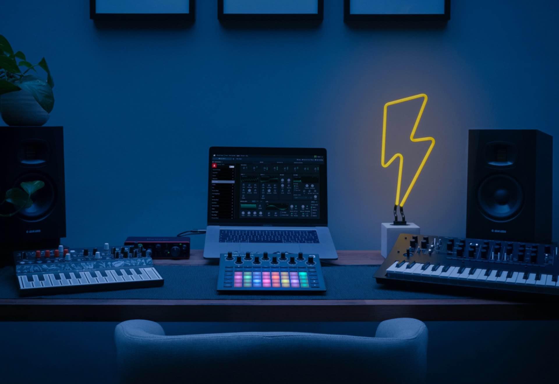 """Novation """"Circuit Tracks"""" Groovebox"""
