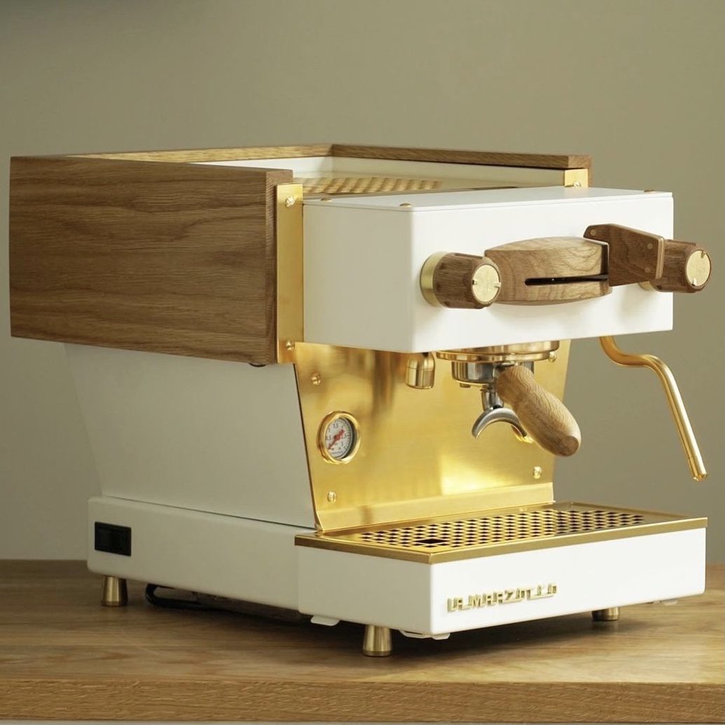 specht-design-premium-espresso-machine-customization-white-brass-machine