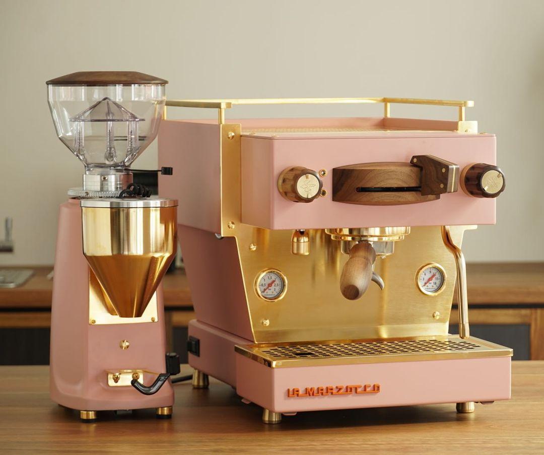 specht-design-premium-espresso-machine-customization-pink-machine-grinder