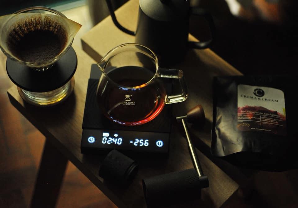 timemore-b22-black-mirror-coffee-espresso-scale-lifestyle