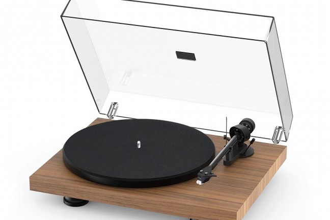 pro-ject-debut-carbon-evo-turntable
