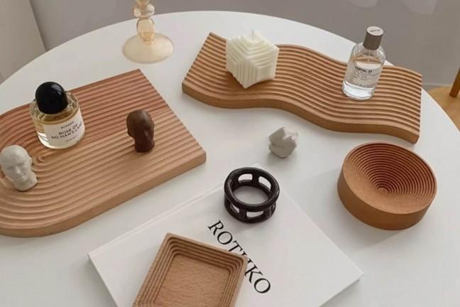 uzumaki-wooden-table-trays