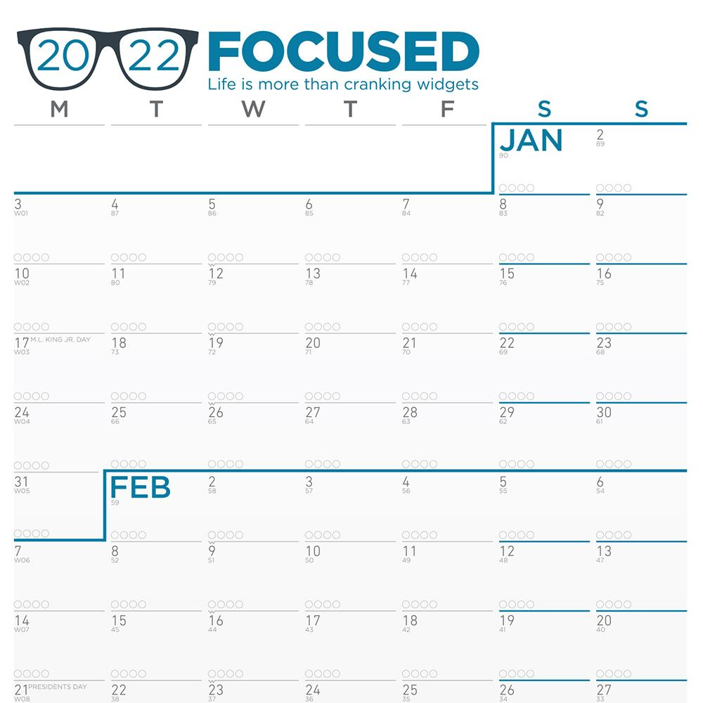 neuyear-focused-2022-calendar-tracking-bubbles